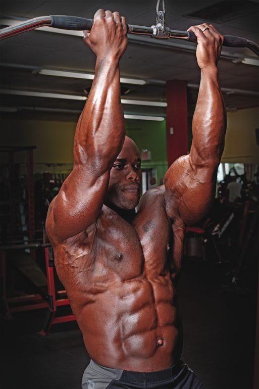 Standing Reverse-Grip pulldown